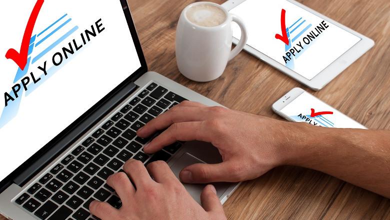 Application-Online-Macbook-Request-Job-Application